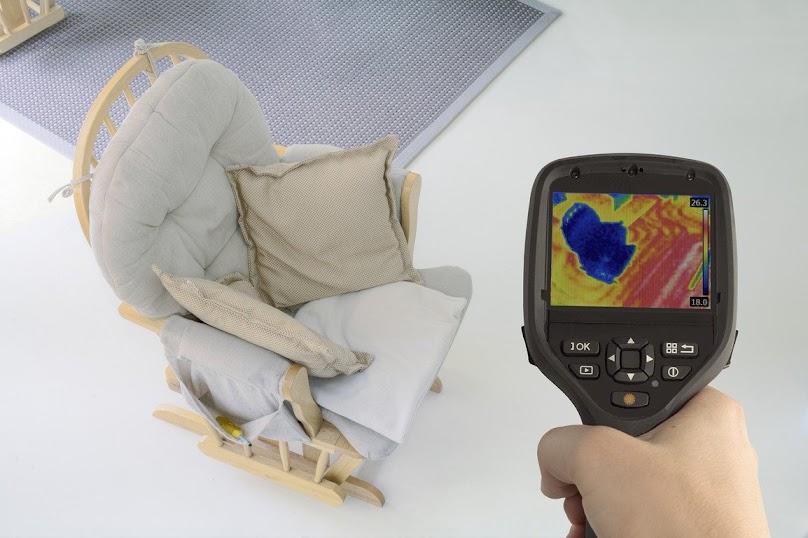 W pomieszczeniach z ogrzewaniem podłogowym ciepło rozchodzi się równomiernie