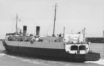 "Photo: ""Hampton Ferry"" (Photo: A. Duncan, Gravesend)"