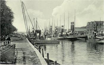 Photo: De heibok in de Buitenhaven Maassluis