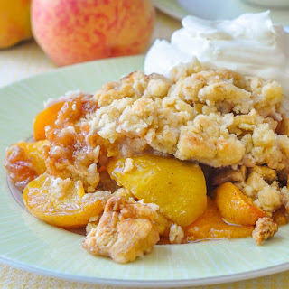 Old Fashioned Peach Crumble.