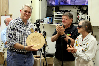 Photo: Bert accepts the platter to a round of appreciative applause from the makers and the audience.