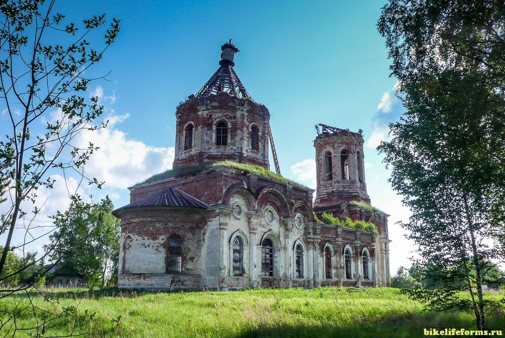 Церковь Троицы Живоначальной в деревне Заборовье