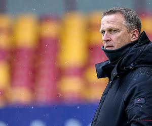 Van den Brom trekt naar Charleroi in wedstrijd van de laatste kans - volg het hier live