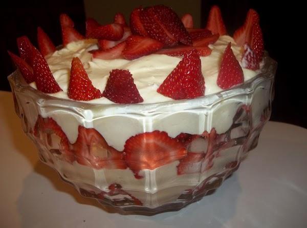 White Chocolate Strawberry Trifle - My Way Recipe