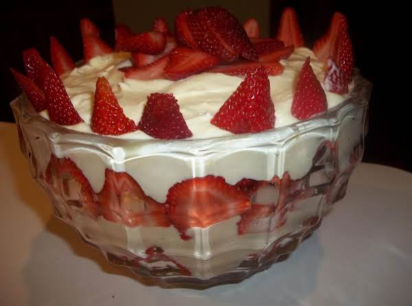 White Chocolate Strawberry Trifle - My Way Recipe