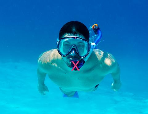 don't dive wiith snorkel in mouth
