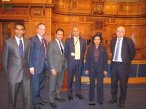 Photo: …with the great and the good of Croydon. L-R: Rahul Shah, Gavin Barwell MP, yours truly, Cllr Vidhi Mohan, Vandana Joshi, Jon Rouse.