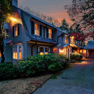 006-Twilight_Front_View-1356756-large.jpg