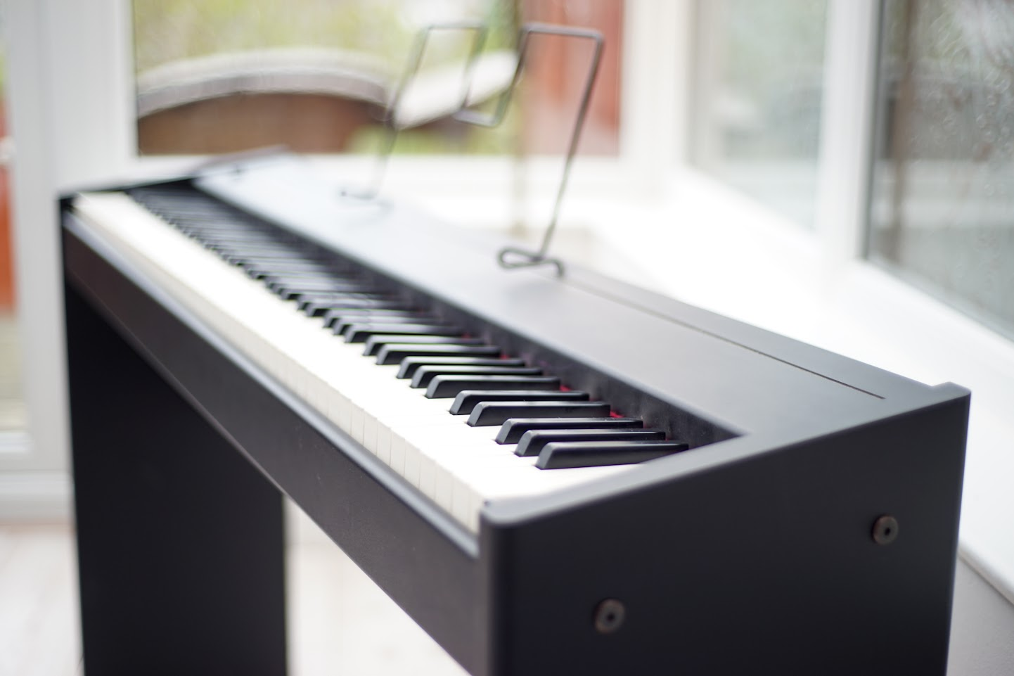 roland f90 88 note progressive hammer action weighted keyboard digital piano del ebay. Black Bedroom Furniture Sets. Home Design Ideas