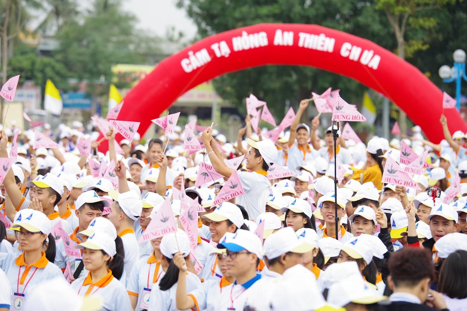 Những hình ảnh đẹp về lễ khai mạc Đại Hội Giới Trẻ giáo tỉnh Hà Nội lần thứ XV tại Thanh Hóa - Ảnh minh hoạ 5