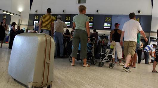 Iberia tarda dos años en pagar a un almeriense al que rompió su maleta