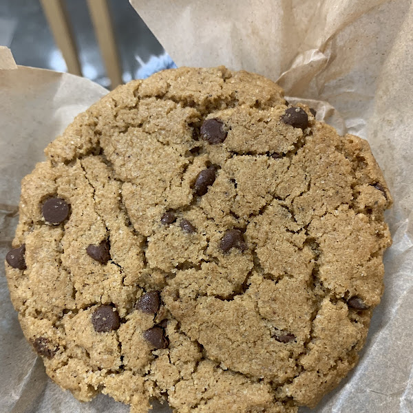 Vegan and gf chai chocolate chip cookie 🍪 Really good!