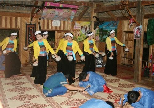 Giữ gìn bản sắc văn hóa dân tộc Bản Lác Mai Châu