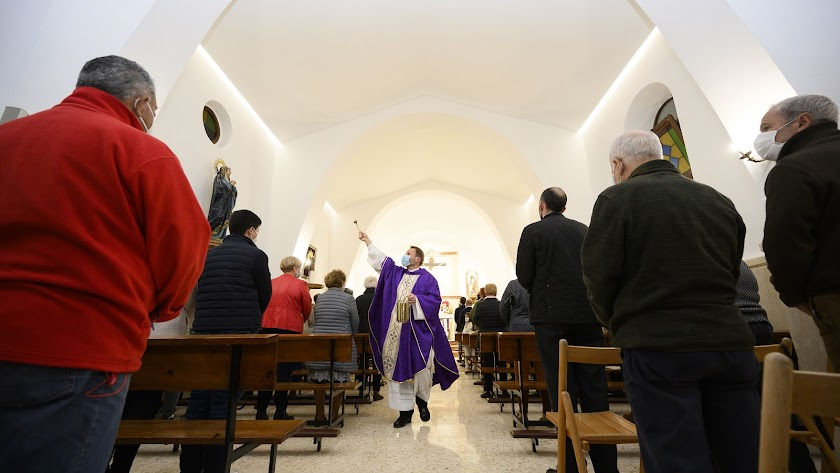 Misa de acción de gracias tras la reapertura de la iglesia de El Alquián.