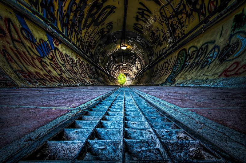 Alla fine del tunnel di Sara Jazbar