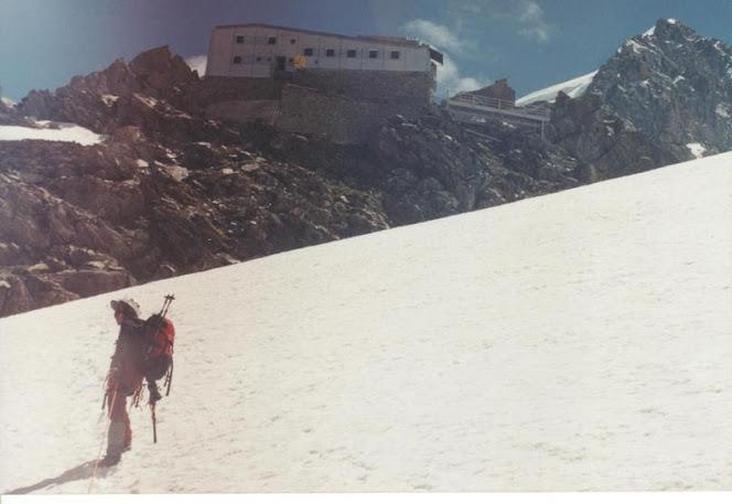 Manu no glaciar des Bossons, embaixo do refuxio de Grands Mulets