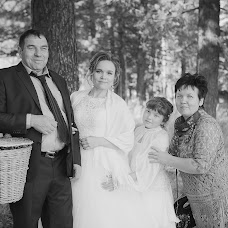 Wedding photographer Irina Gulemina (Photorina). Photo of 19.10.2014