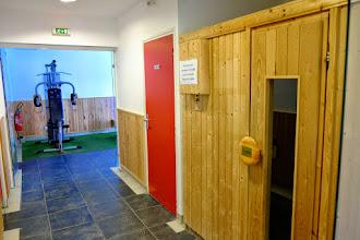 """Photo: Espace """"bien-être"""" avec le sauna de la résidence le Clos des Fontaneilles"""