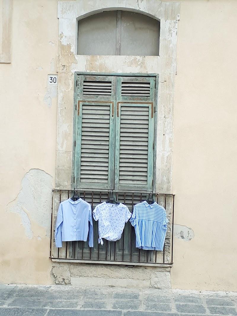 La simmetria tra il moderno e il vintage. di veronica_dingianna