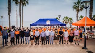 El acto de presentación del dispositivo de playas de Roquetas de Mar.