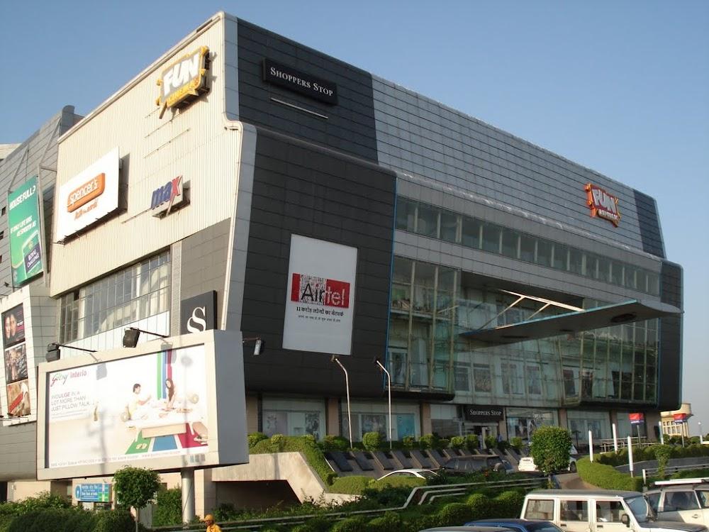 best-malls-lucknow-fun-republic-mall