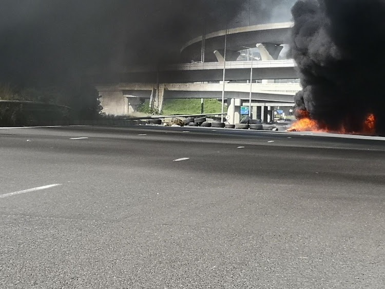 A volatile service delivery protest has forced the closure of the M19 Durban-bound carriageway on Monday.