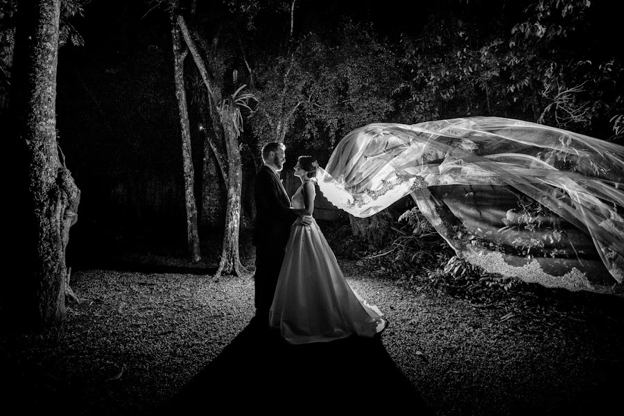 Fotógrafo de casamento Marco Zammarchi (marcozfotografi). Foto de 26.03.2017
