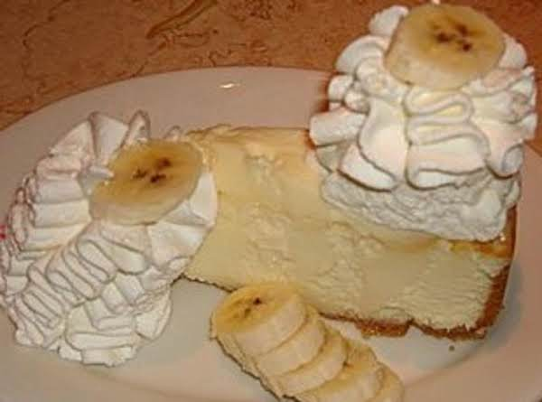 This Is The Banana Cheesecake I Had When I Ate It At Cheesecake Factory.  Mine Tastes Just Like It So I Took A Picture Of It When I Was There Last.  This Is Great Presentation.