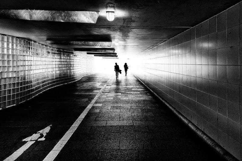 La luce è sempre in fondo al tunnel di LuXi
