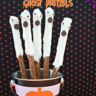 Spooky Halloween Ghost Pretzels.