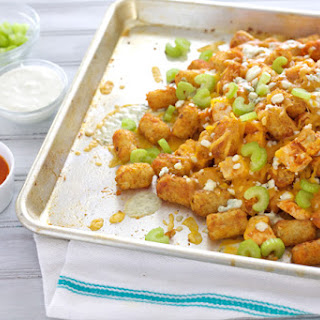Buffalo Chicken Tater Tot Nachos