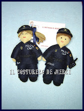 Photo: policia nacional y niño policia nacional