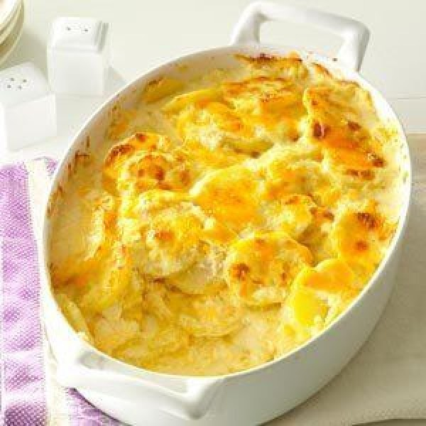 Sharp Cheddar Scalloped Potatoes Recipe
