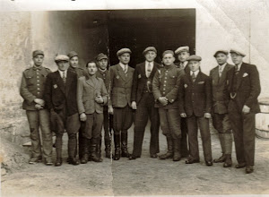 Photo: 1941 r. Drugi z lewej Władysław Bienias - Zdjęcie wykonane na przymusowych robotach w Niemczech.