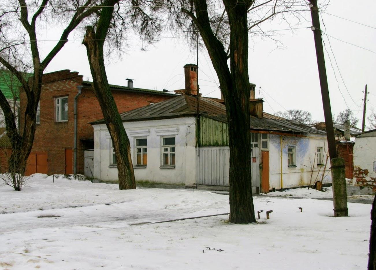 https://sites.google.com/site/istoriceskijtaganrog/cehova-ulica/dom-1