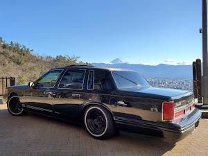 タウンカー  97年式 のカスタム事例画像 97 Lincoln  Town Carさんの2020年01月01日21:45の投稿