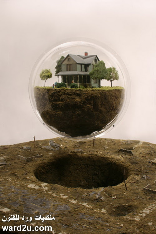 اسرار بيوت فى زجاجه Thomas Doyle