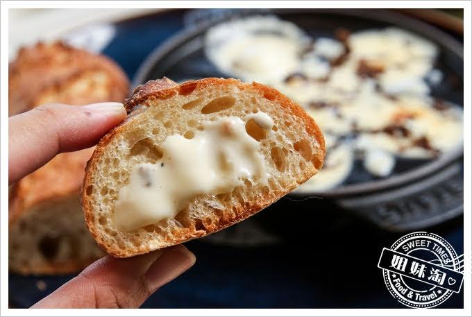 LAONEKitchen松露奶油起司醬與糖心鵪鶉蛋