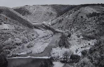 Photo: Judexův (Baštův) mlýn – na místě dnešní čerpací stanice stával Judexův mlýn až do roku 1945. Podle legend ho vlastnil tak silný mlynář, že zcela bez pomoci mohl naložit na povoz sám dvojsud.  Převržený povoz ho nakonec ale i zabil.