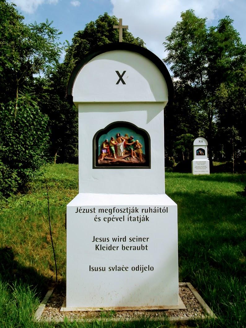 Szederkény - Szent Lőrinc rk. templom és keresztút a temetőben