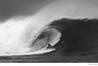 Photo: Photo of the Day: Ian Walsh, Cloudbreak. Photo: Glaser #Surfer #SurferPhotos
