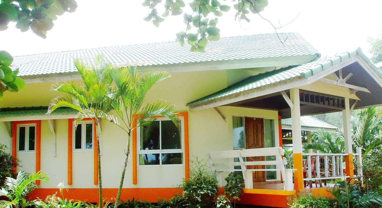 Lanta Palm Beach Resort