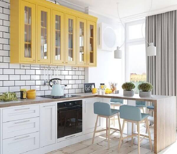 Uma imagem contendo chão, interior, janela, cozinha  Descrição gerada automaticamente