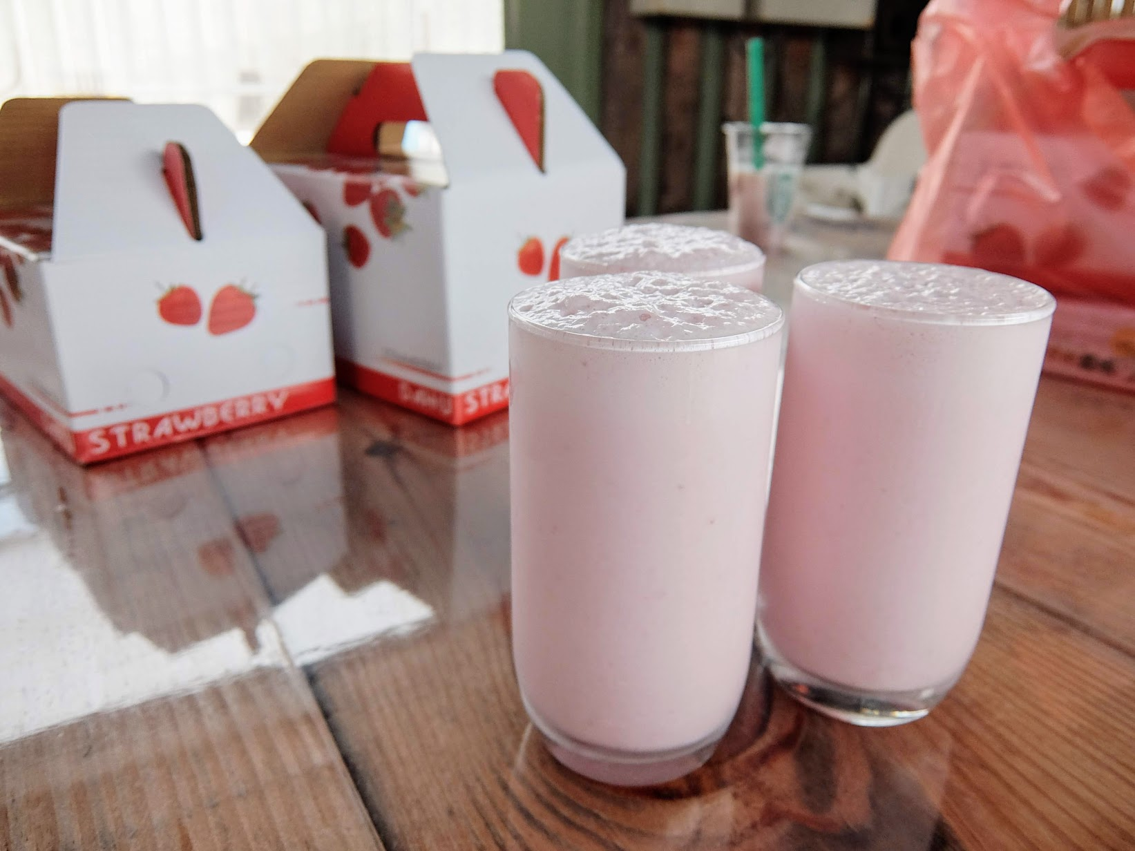 也來一杯草莓牛奶吧XD
