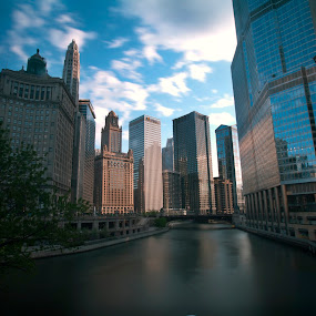 Chicago River by Cristobal Garciaferro Rubio - Buildings & Architecture Office Buildings & Hotels ( water, chicago river, office buildings, buildings, chicago, river )