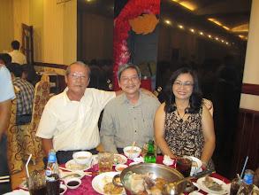 Photo: Thầy Quýt và vợ chồng Thái Thị Lành