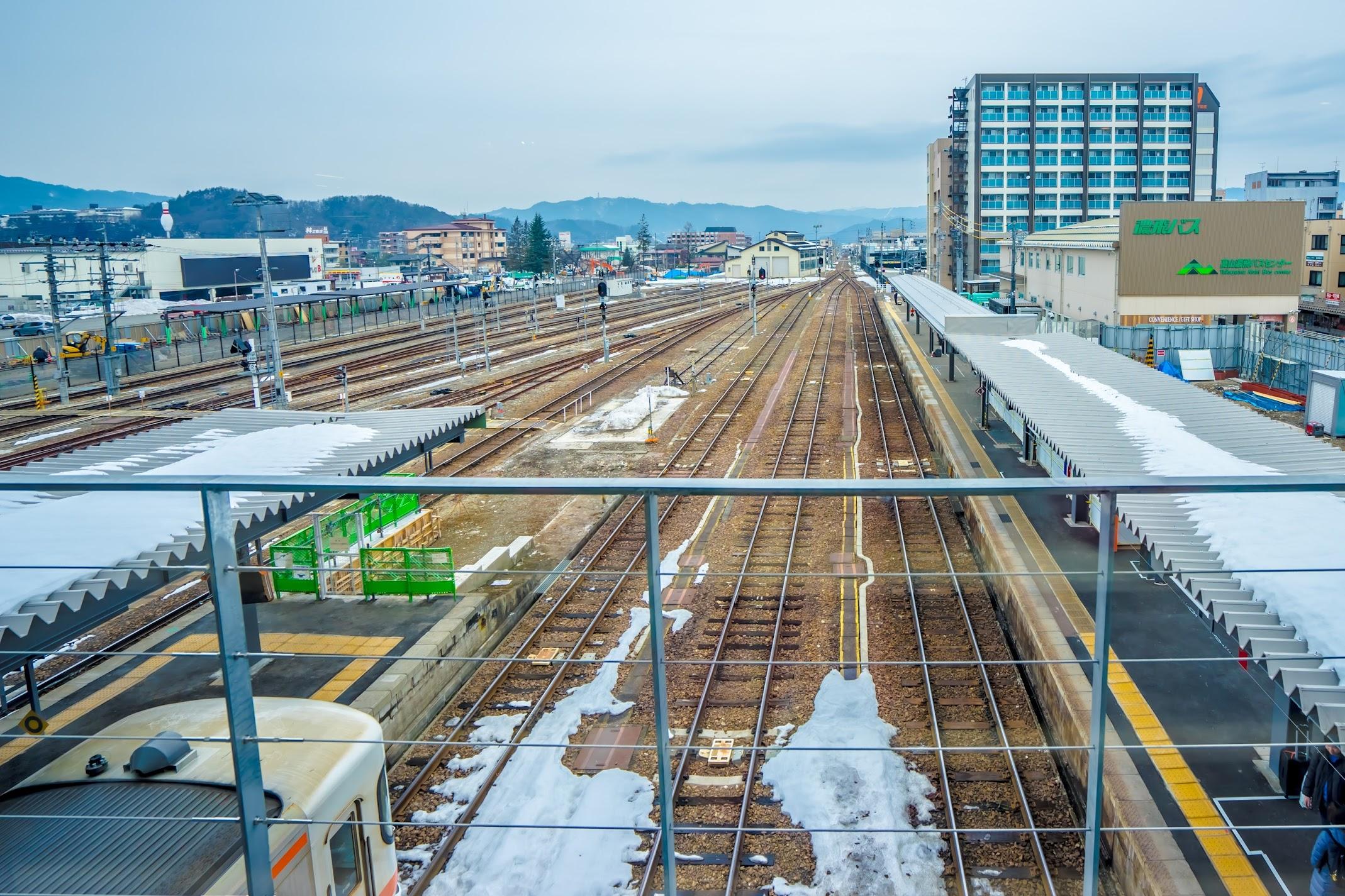 Takayama station2