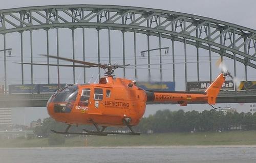 Photo: Foto: www.handwerkernet.de Hubschrauber über dem  Rhein in Köln. Hubschrauber des Bundesinnenministerium (BMI) Bezeichnung: D-HGSV Type: MBB BO 105 CBS-5 Indienststellung: 1997 Außerdienststellung: 2007