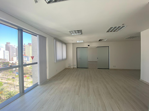 Sala Comercial Três Figueiras, Porto Alegre 88m²