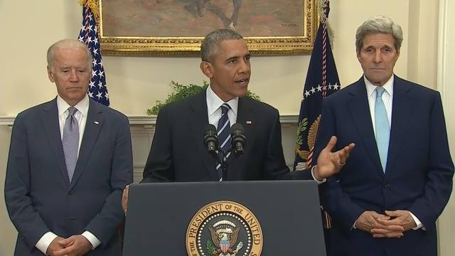 รองประธานาธิบดี Joe Biden กับประธานาธิบดี Barack Obama และ John Kerry รัฐมนตรีต่างประเทศ ร่วมแถลงข่าวหลังลงนามยกเลิกโครงการ Keystone XL Pipeline